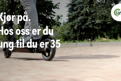Lyse Ung - scooter stillbilde